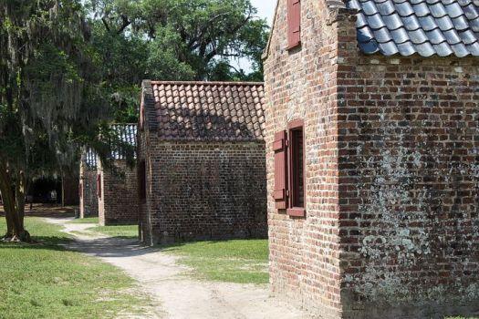 slave-quarters-1499121__480